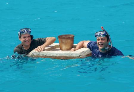Jason Bateman and Vince Vaughn battle sharks...seriously!