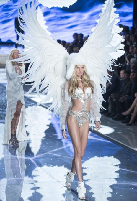 2015 Victoria's Secret Fashion Show Romee Strijd
