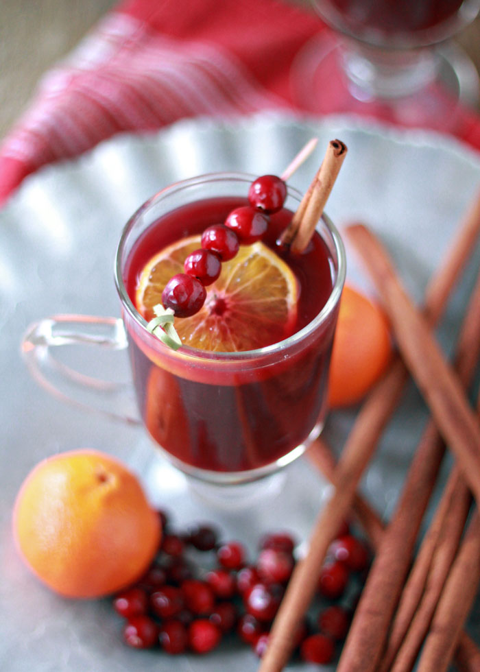 slow cooker cranberry orange mulled wine