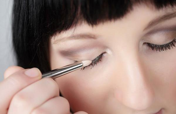 5 Eye makeup trends you can