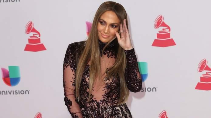 Jennifer Lopez & Drake dating rumors