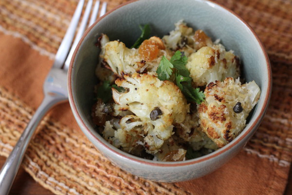 Crispy cauliflower with capers, raisins, and breadcrumbs