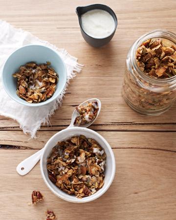 crunchy sugar-free granola
