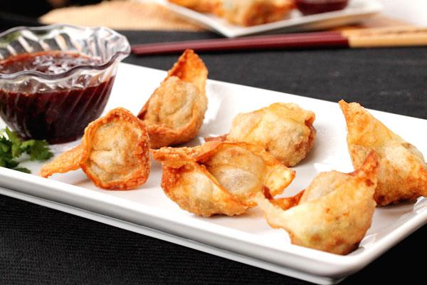 Turkey and stuffing wontons with cranberry
