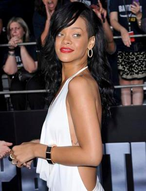 A double take: Rihanna uses body