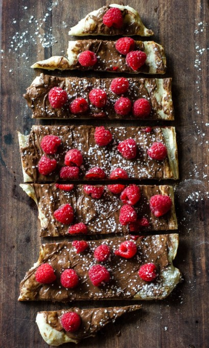 Grilled dessert recipes: Raspberry Nutella dessert pizza is great on the grill