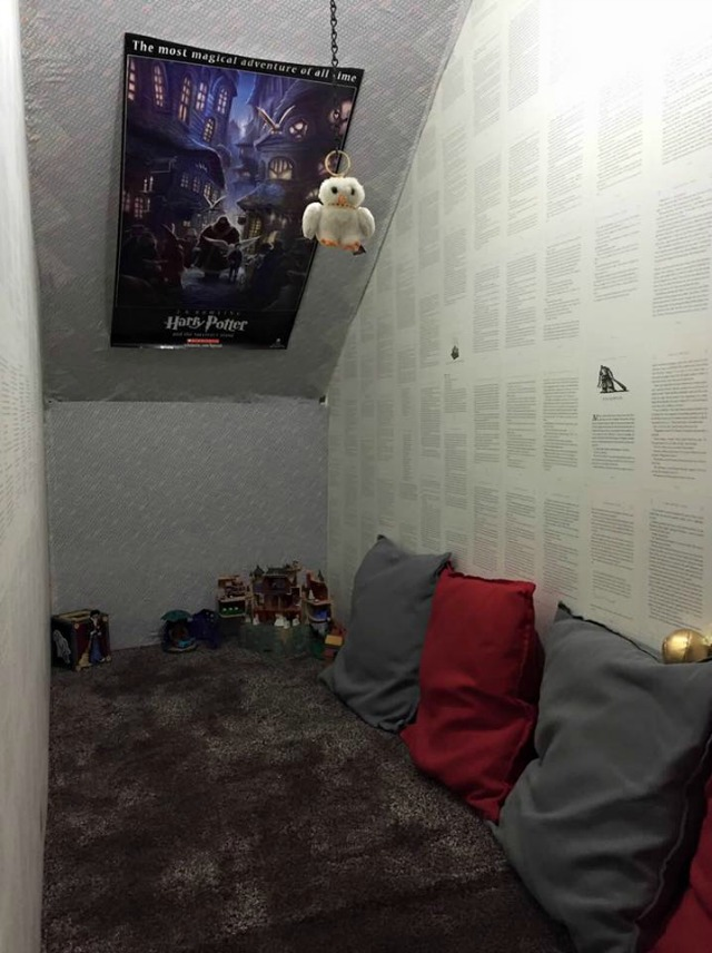 Harry Potter fan decorates cupboard under the stairs