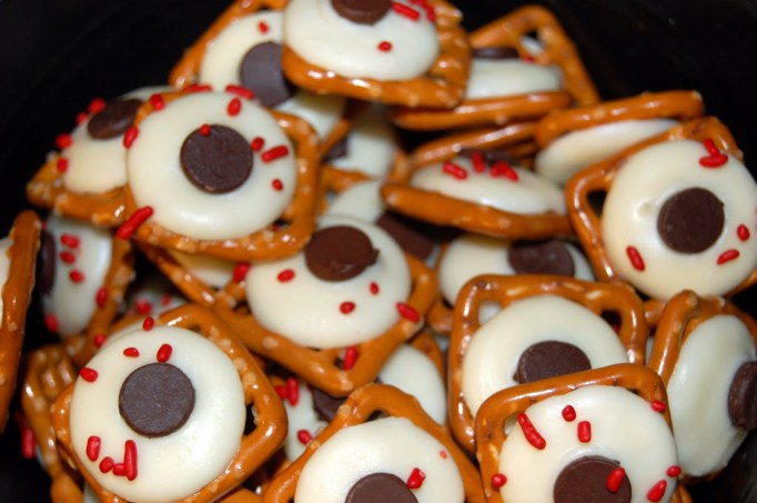34 Halloween foods that'll take your party to the next level: Edible eyeballs