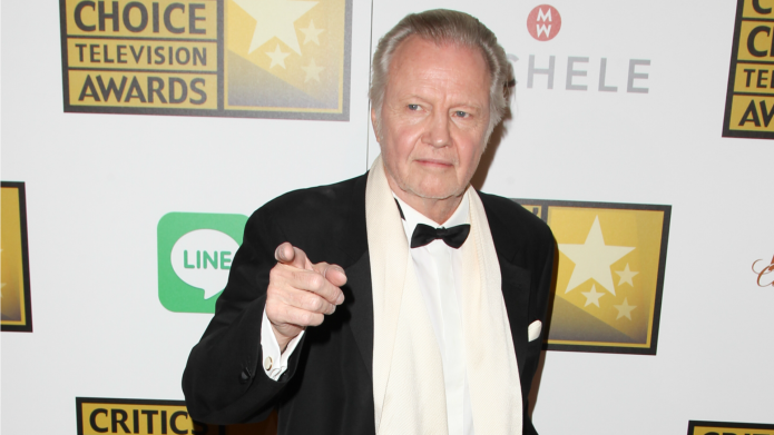 "Jon Voight blasts Penélope Cruz's ""ignorant"""