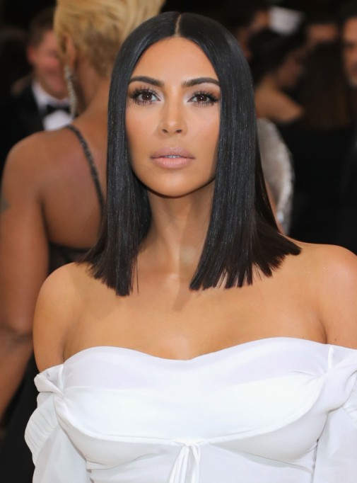 Genius Celebrity Packing Hacks | Kim Kardashian — Bag Everything So You Don't Dirty Your Clot