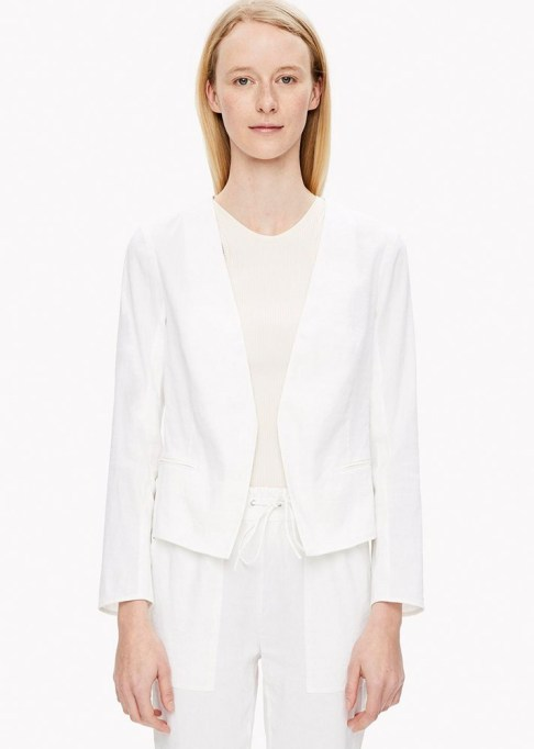 The Best Stores to Shop for Fashion Basics: Theory Clean Crop Blazer | Summer style 2017