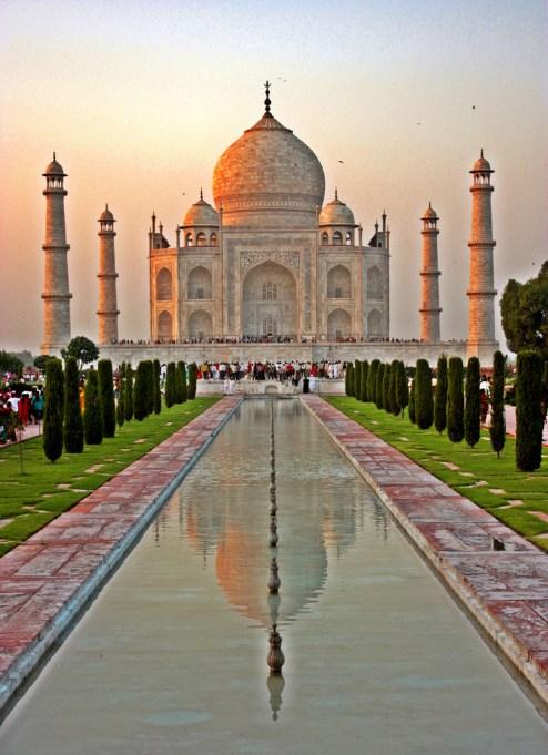 Must-See Travel Destinations: Taj Mahal, India