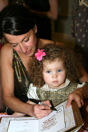 Cynthia Rowley with daughter in 2007