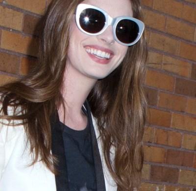 Anne Hathaway wears an Elvis t