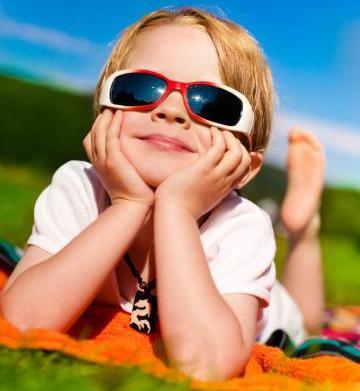 Should kids wear sunglasses?