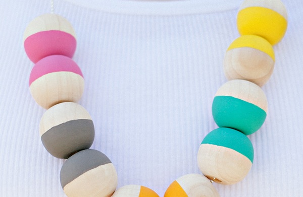 DIY painted wood bead necklace tutorial