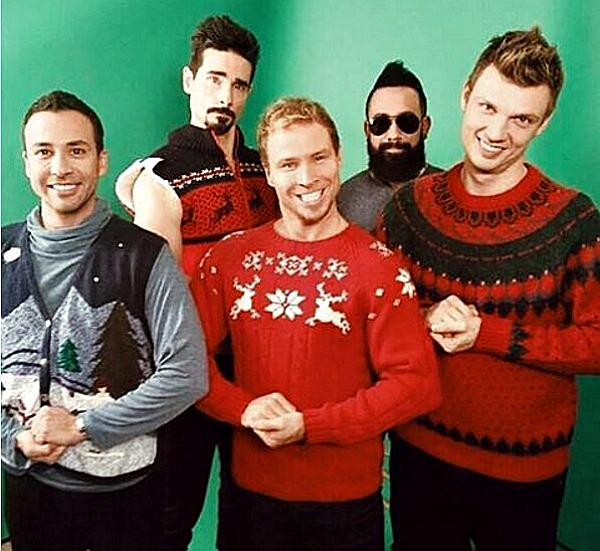 Backstreet Boys Christmas.19 Adorable Celebrity Christmas Cards And Portraits Sheknows