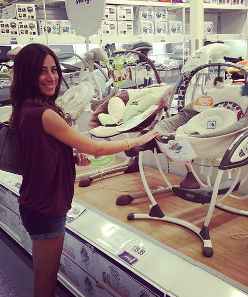 Pregnant Danielle Jonas