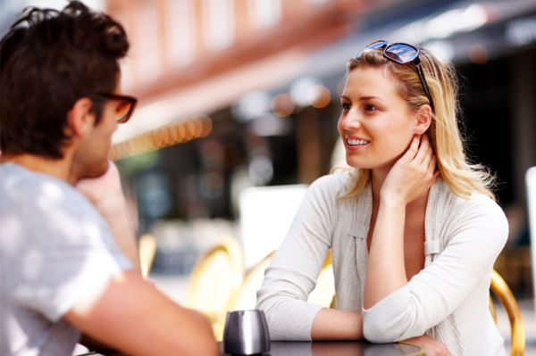 Date at a cafe