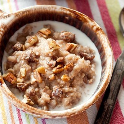 Date pecan oatmeal