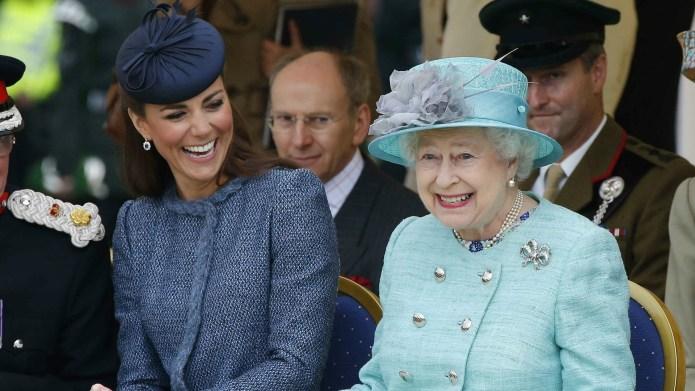 Queen Elizabeth gives Kate Middleton her