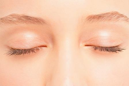 How to care for thinning eyelashes