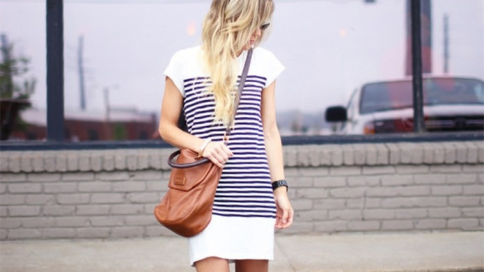 25 T-Shirt Dress Outfits to Try