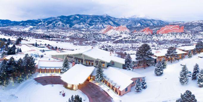 Active Winter Wellness Retreats | Garden of the Gods Collection