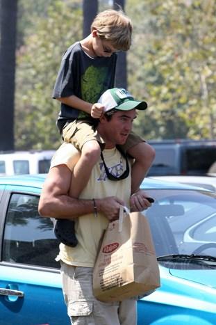 Dean Cain and his son do a little shopping