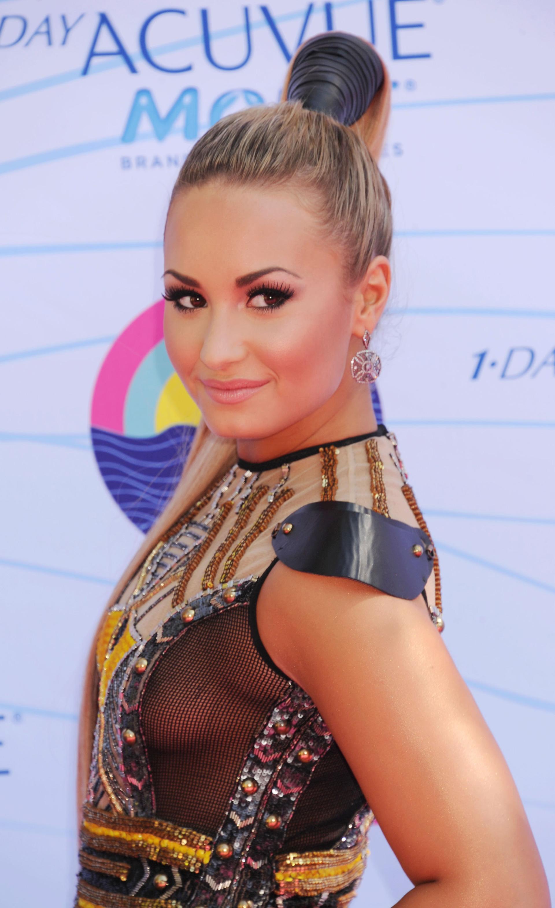 Demi Lovato wearing a scrunchie