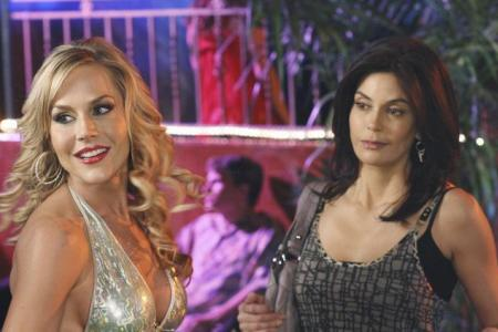 Teri Hatcher and Julie Benz in Desperate Housewives