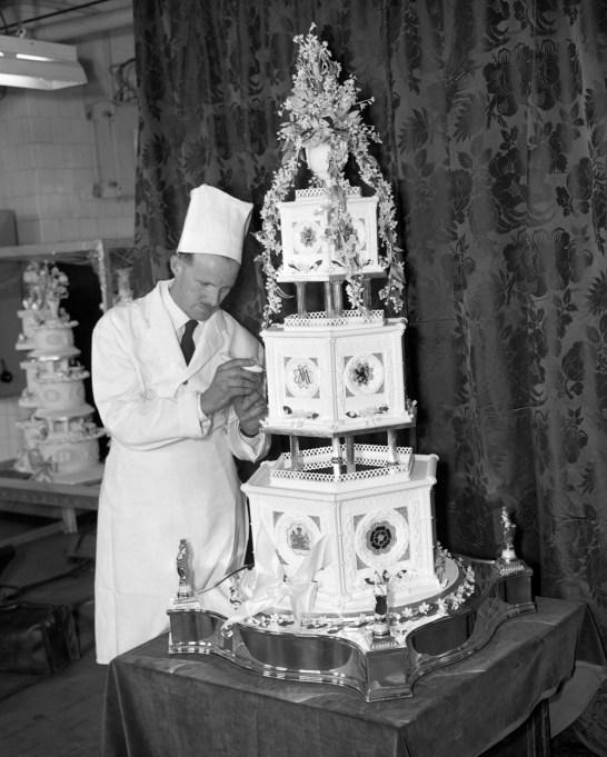 Princess Margaret & Lord Snowdon wedding cake