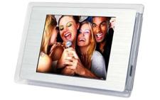 Digital photo frame fridge magnet