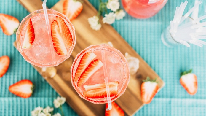 16 Elderflower Liqueur Cocktails to Take Your Summer From Boring to Boozy