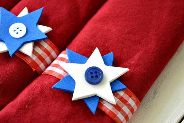 DIY Napkin Rings For 4th of July Dining Table | Patriotic 4th Of July Party Ideas You Can DIY On A Budget