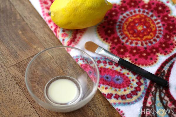 Aspirin and Lemon Juice Acne Paste