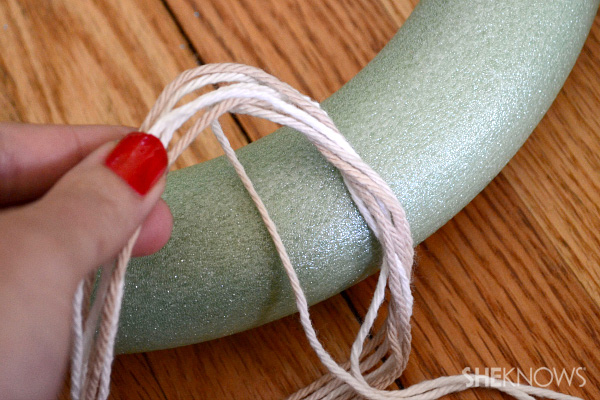 DIY yarn wreath with attachments