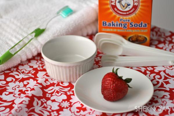 Strawberry baking soda teeth whitener
