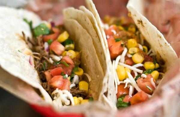 Tonight's Dinner: Tender Crock Pot Tacos