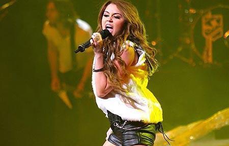 Miley Cyrus stops tweeting