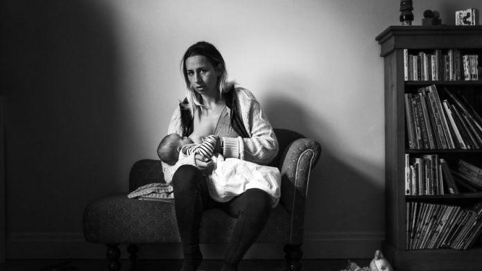 Moms' raw breastfeeding photo series is