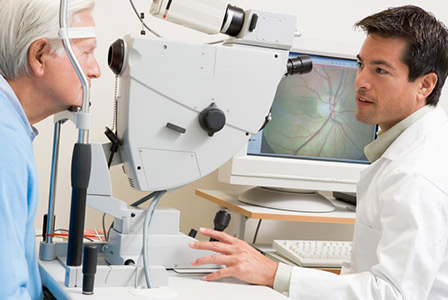 doctor testing for glaucoma