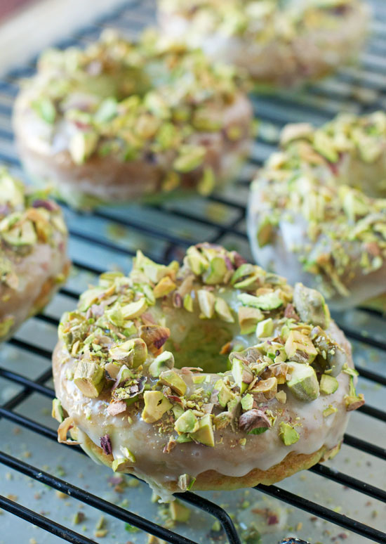 Baked pistachio pudding donuts