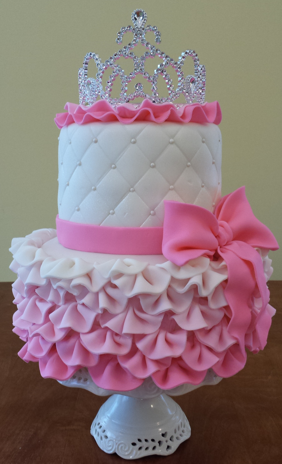 20 Pretty Cakes Fit For A Princess SheKnows