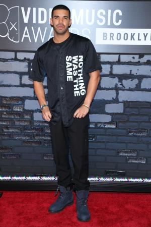 Drake blasts Macklemore for his apology text to Kendrick Lamar