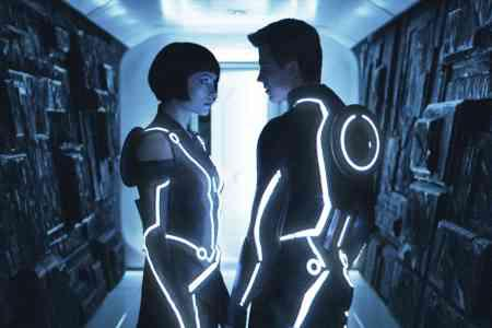 Jeff Bridges' Tron: Legacy wins box