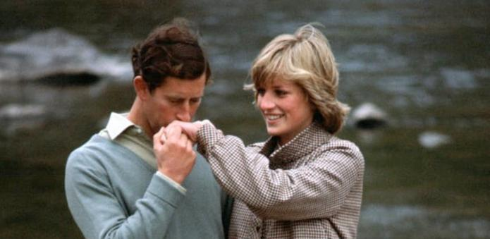 18 Iconic Photos of Princess Diana