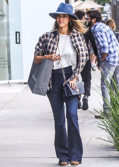 Celebrities Who Wore Wide Leg Jeans and Looked Damn Good | Jessica Alba