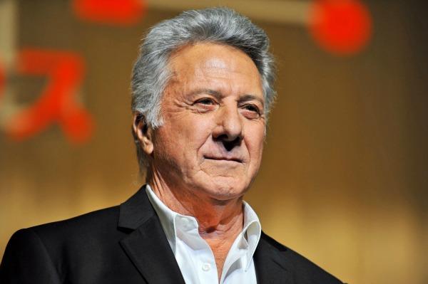 Dustin Hoffman breaks down over cross-dressing