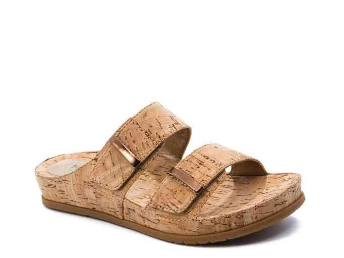 Bare Traps Cherilyn Flat Sandal